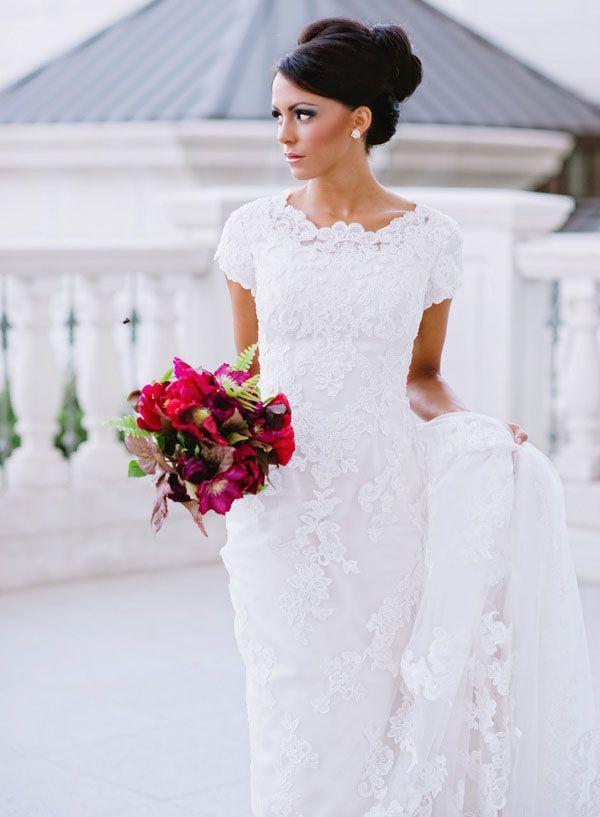 Ross wedding dresses10 stunning high neckline wedding for Ross wedding dresses