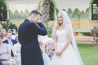 Finding The Perfect Wedding Dress | Expert Advice from Kelly Lundberg