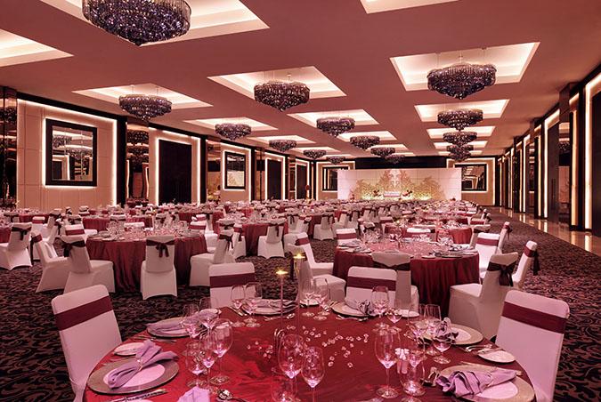 JWMM_DubaiBallroom_IndianWedding_Setup