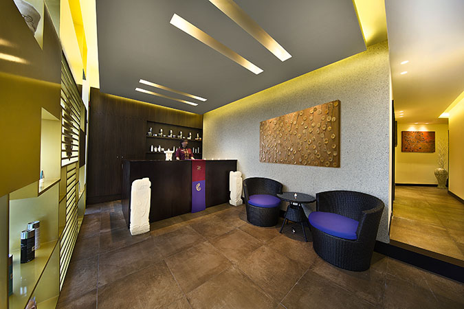 Tips & Toes Review: Massage and GlamGlow Facial