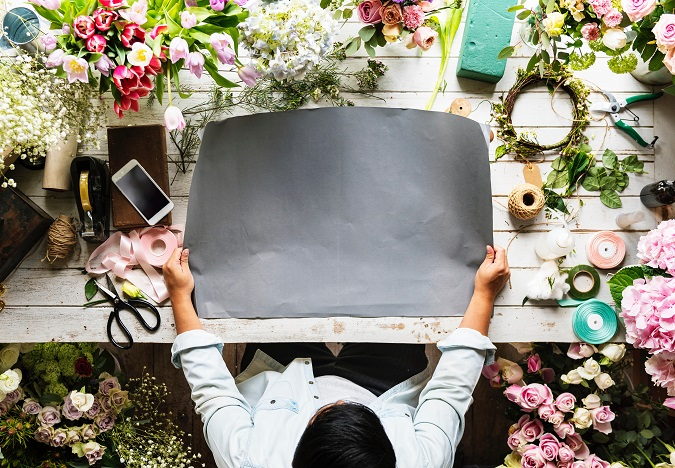Turquoise Boutique Studio Flower Crown Station