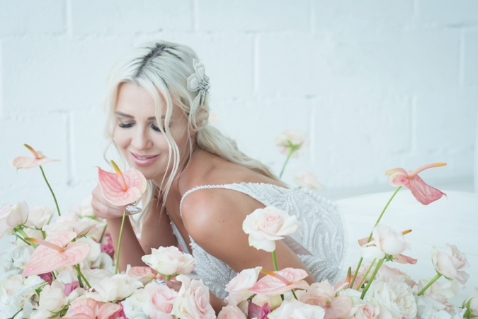 A 'Rosy Chic Romance' Styled Shoot In Dubai By Flower Cocoon
