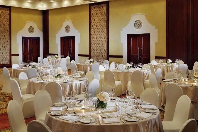 Ballroom-wedding-setup
