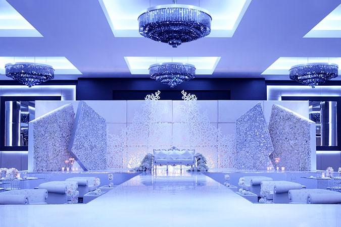 JWMM_DubaiBallroom_WeddingSetup_Emirati_Stage
