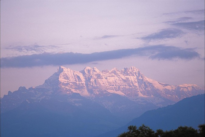 Mountain View_486667_med