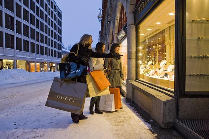 ENGADIN St. Moritz: Shopping in St. Moritz
