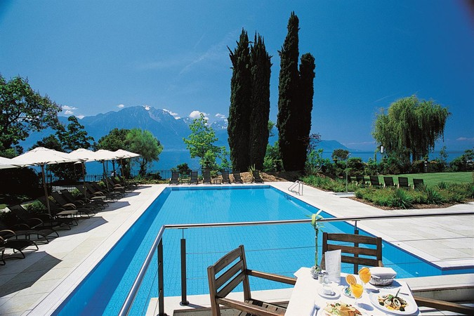Willow Stream Spa -  Outdoor Pool_486659_med