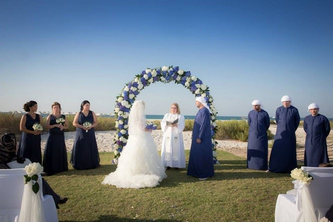 Selling Your Wedding Gown A Readers Perspective Bride Club Me