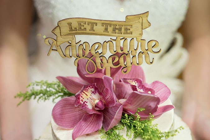 bamboo-engraved-cake-topper-the-day-weddings-and-events-paula-scalco-photography