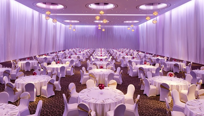 Review: Le Méridien Dubai Hotel & Conference Centre | Ballroom Options For Large, Glamorous Weddings In Dubai