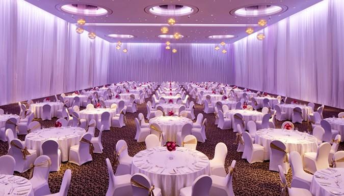 Review: Le Méridien Dubai Hotel & Conference Centre | Ballroom Options For Large, Glamorous Weddings In Dubai