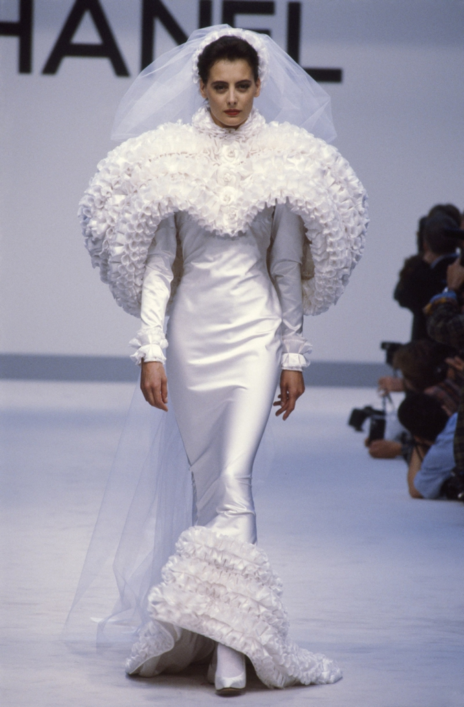 Ines de la Fressange wearing a wedding dress at the Chanel Couture Fall-Winter 1987-1988 show