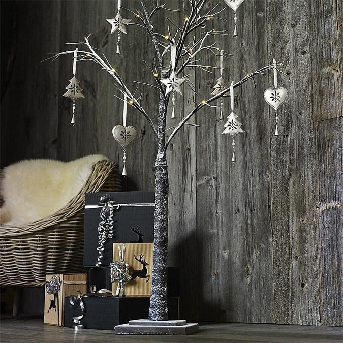 lakeland-light-up-winter-tree