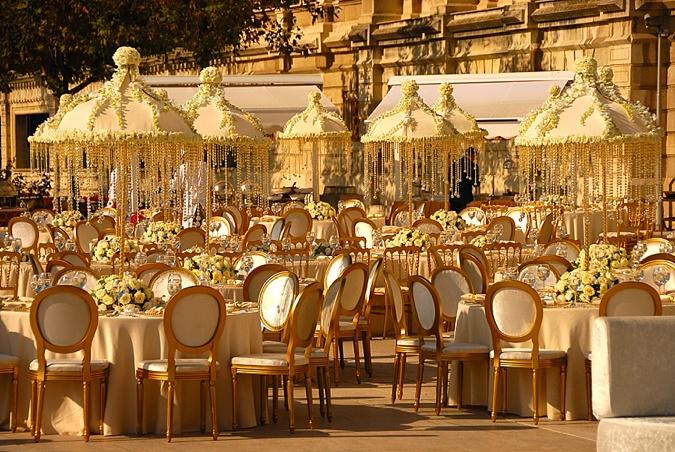 Statement wedding table setting.