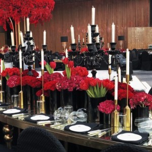 800 flowers Dubai deep red theme wedding decorations and installation
