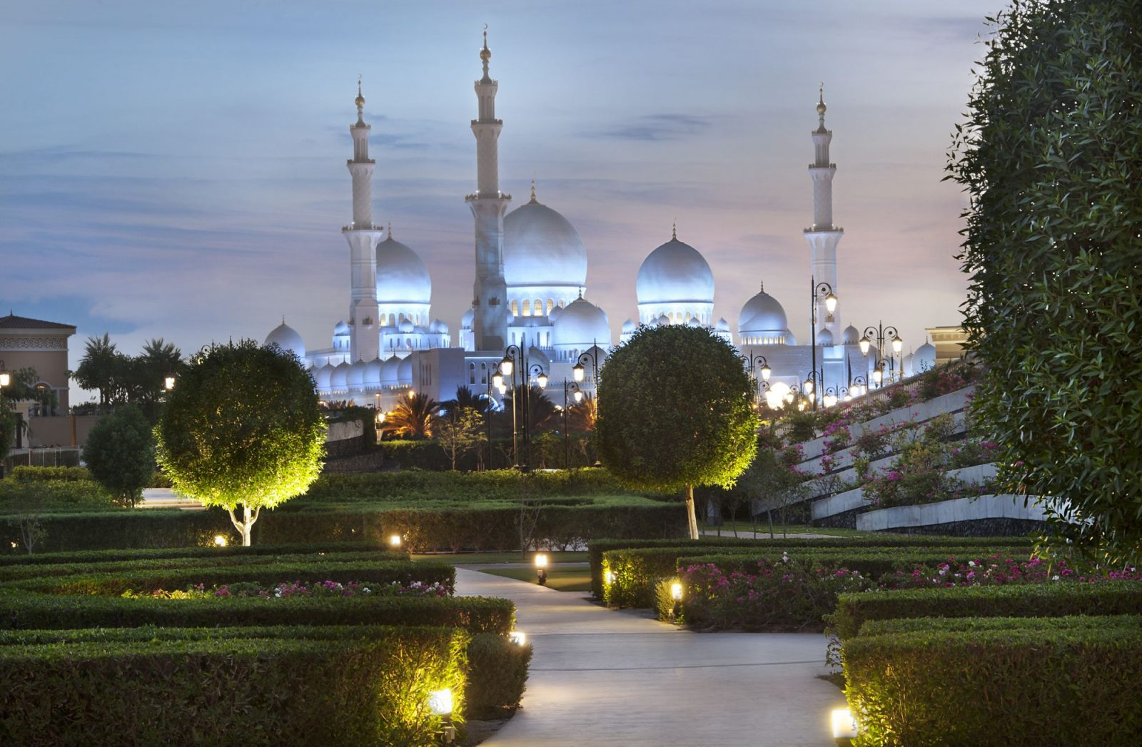 Ritz Carlton Abu Dhabi view on the Grand Mosque