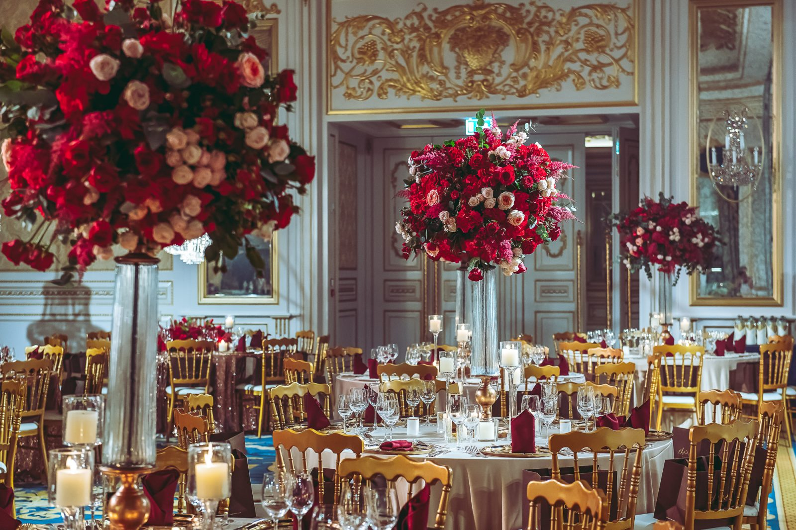 Event Chic Designs gold and red roses wedding set up