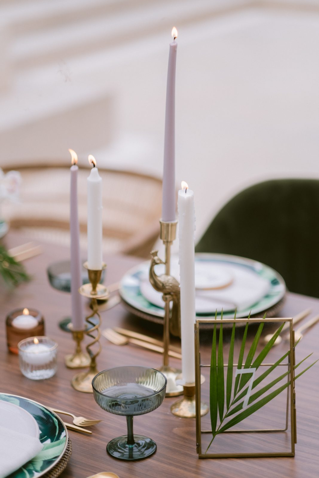 Gold and green leaf wedding place setting inspiration