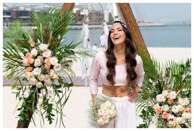 Quite Quaint Brides beach photo shoot