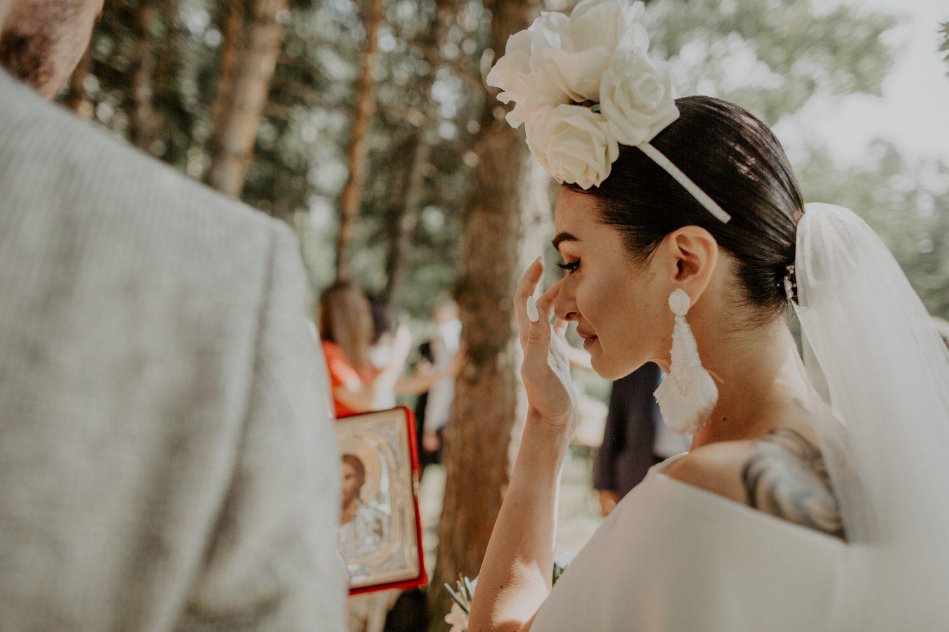 Real Bride Khatia crying at wedding reception