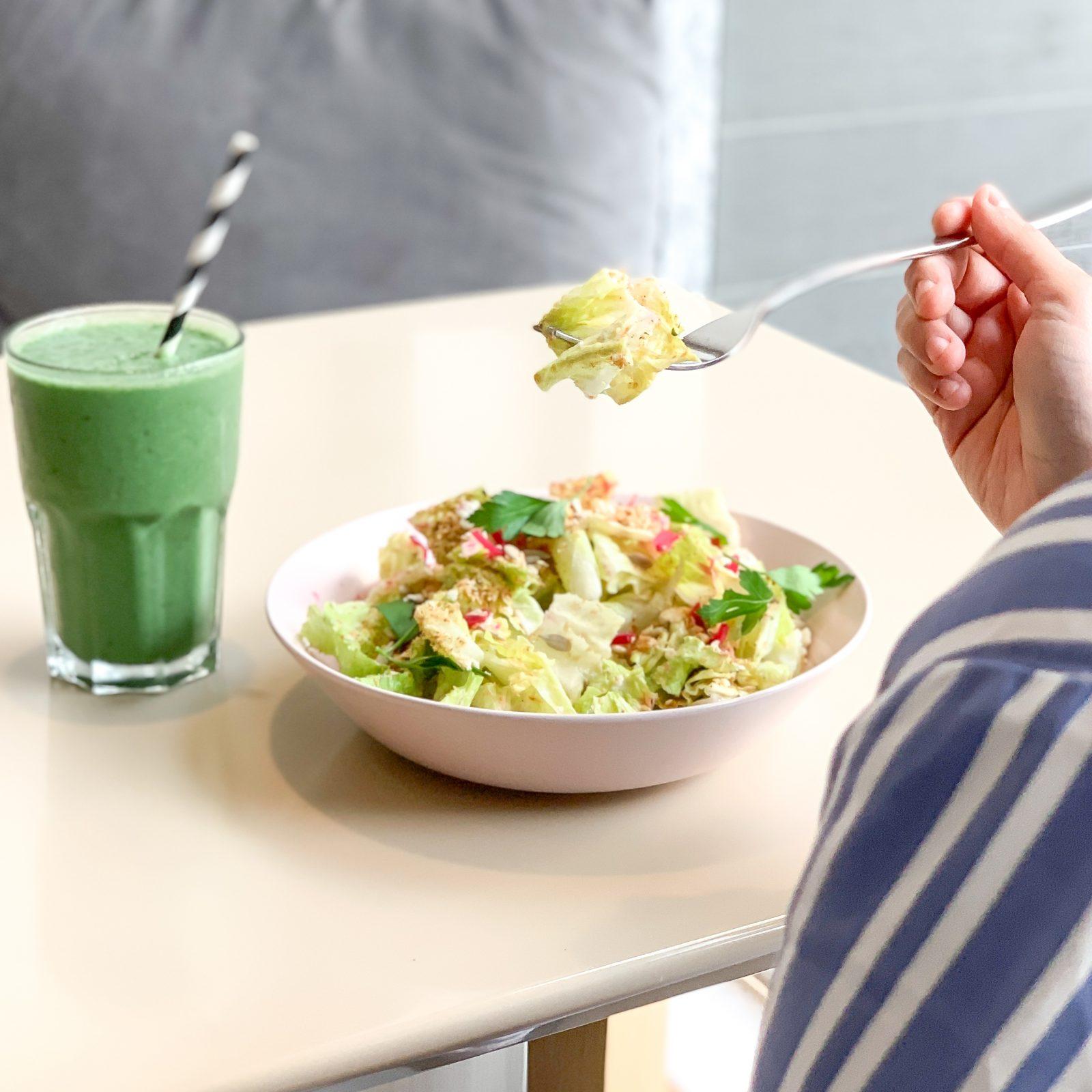 Brambles vegan salad and smoothie