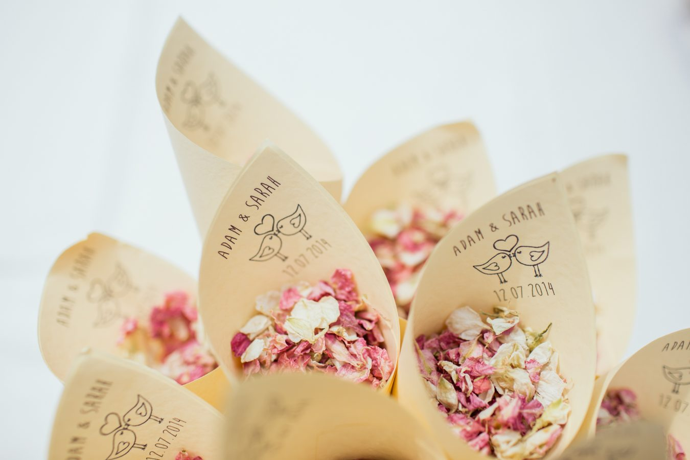 Personalised wedding confetti