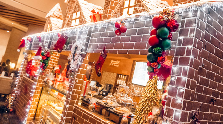 Swissotel Al Ghurair Christmas decorations