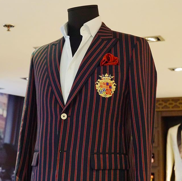Kachins tailored suit in mannequin